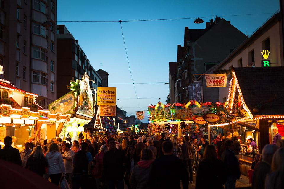Michaeliskirchweih Fürth Abends Königstraße