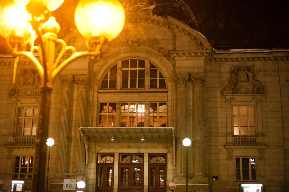 Stadttheater Fürth bei Nacht