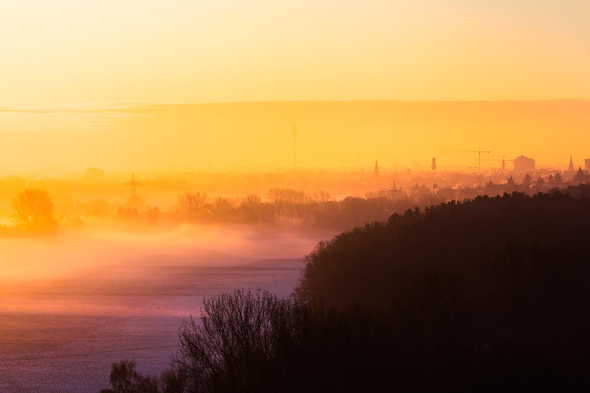 Fürth im Nebel Sonnenaufgang
