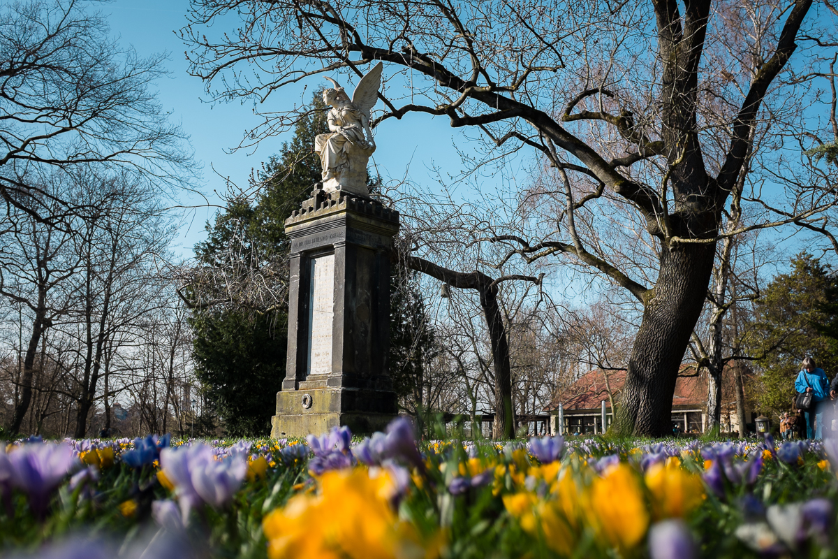Grab-Denkmal von 1872 im Fürther Stadtpark