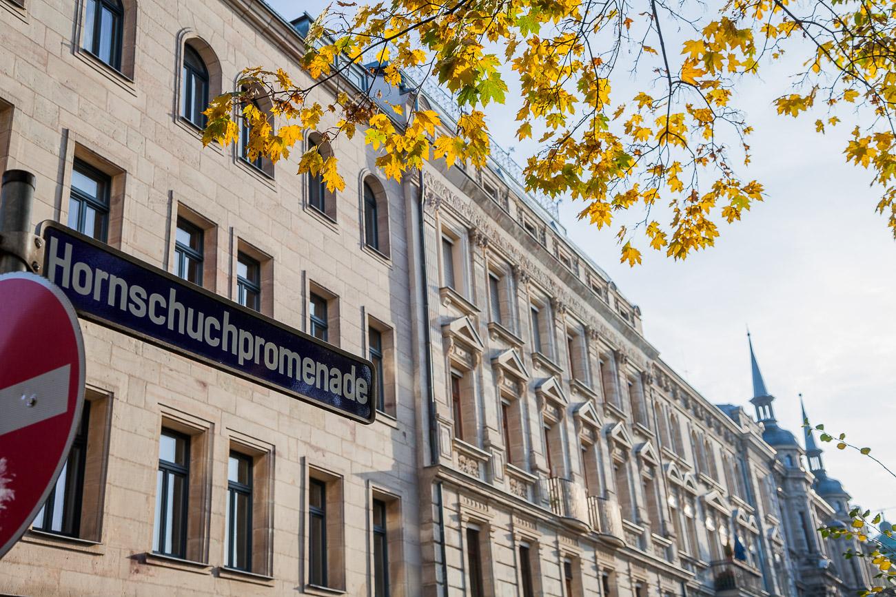 Straßenschild Hornschuchpromenade