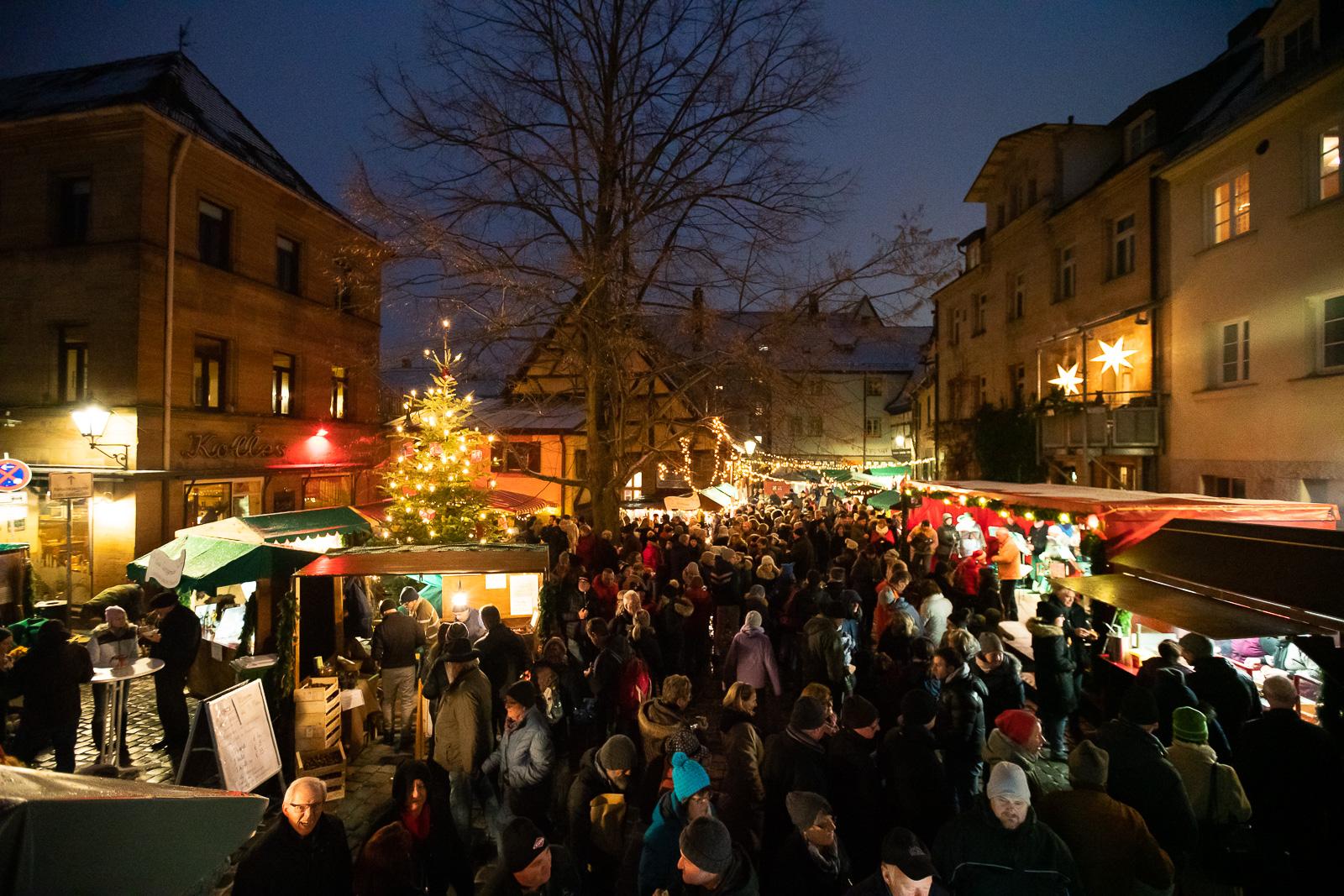 Weihnachtsmarkt Waagplatz Fürth