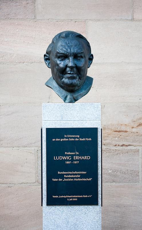 Ludwig-Erhard-Büste