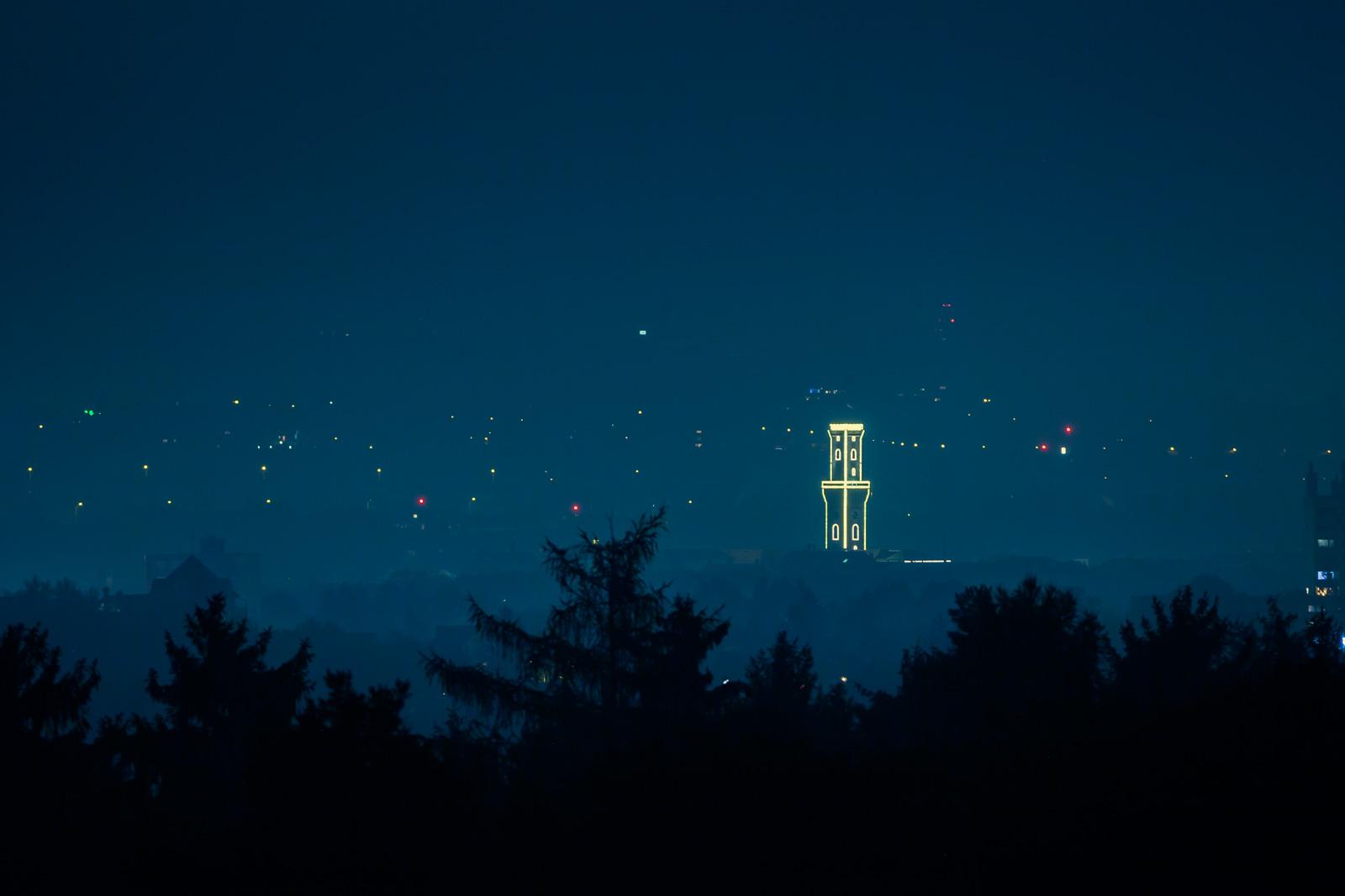 Fürther Rathaus bei Nacht