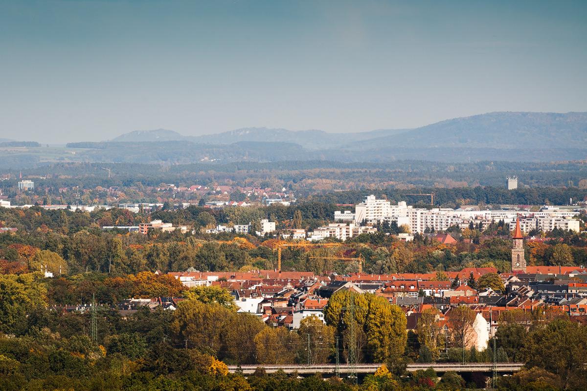 Ausblick auf Fürth mit Walberla im Hintergrund