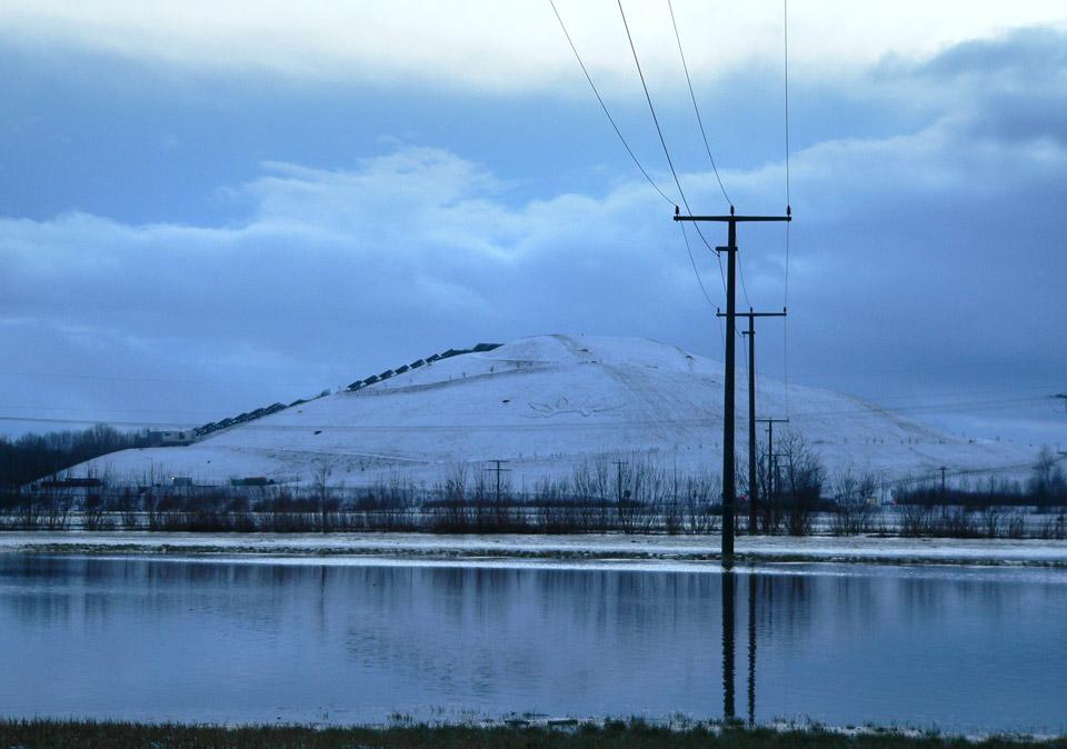 Der schneebedeckte Fürther Solarberg im Winter 2005