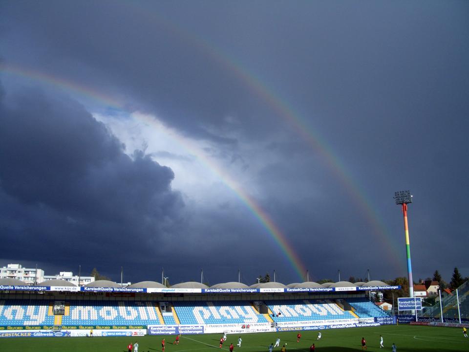 Regenbogen über Sportpark Ronhof