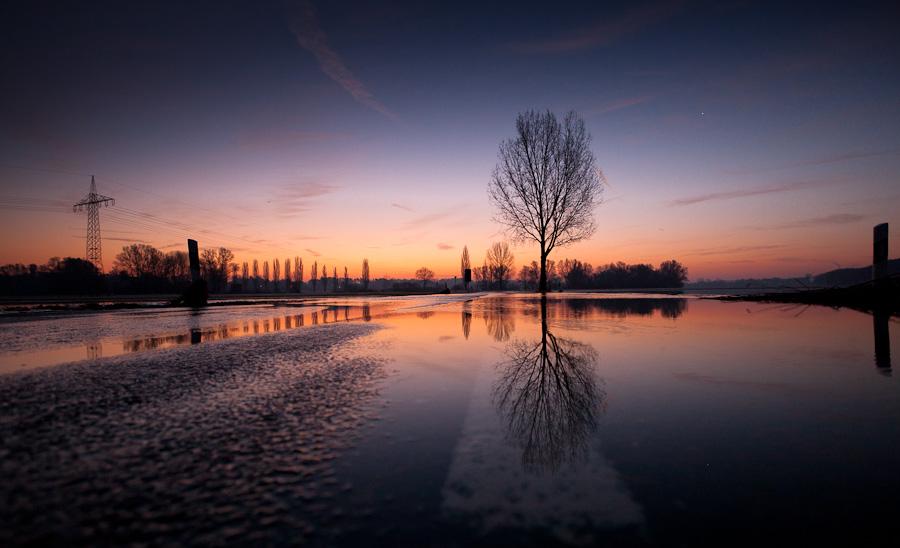 Fürth überschwemmter Wiesengrund