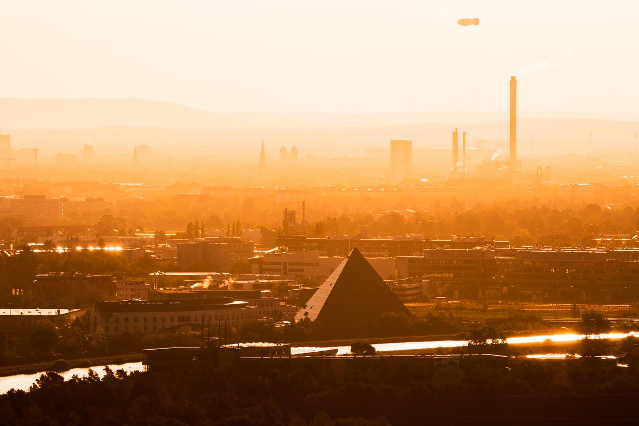 Fürther Pyramide Sonnenaufgang – Ausblick von der alten Veste in Zirndorf / Fürth