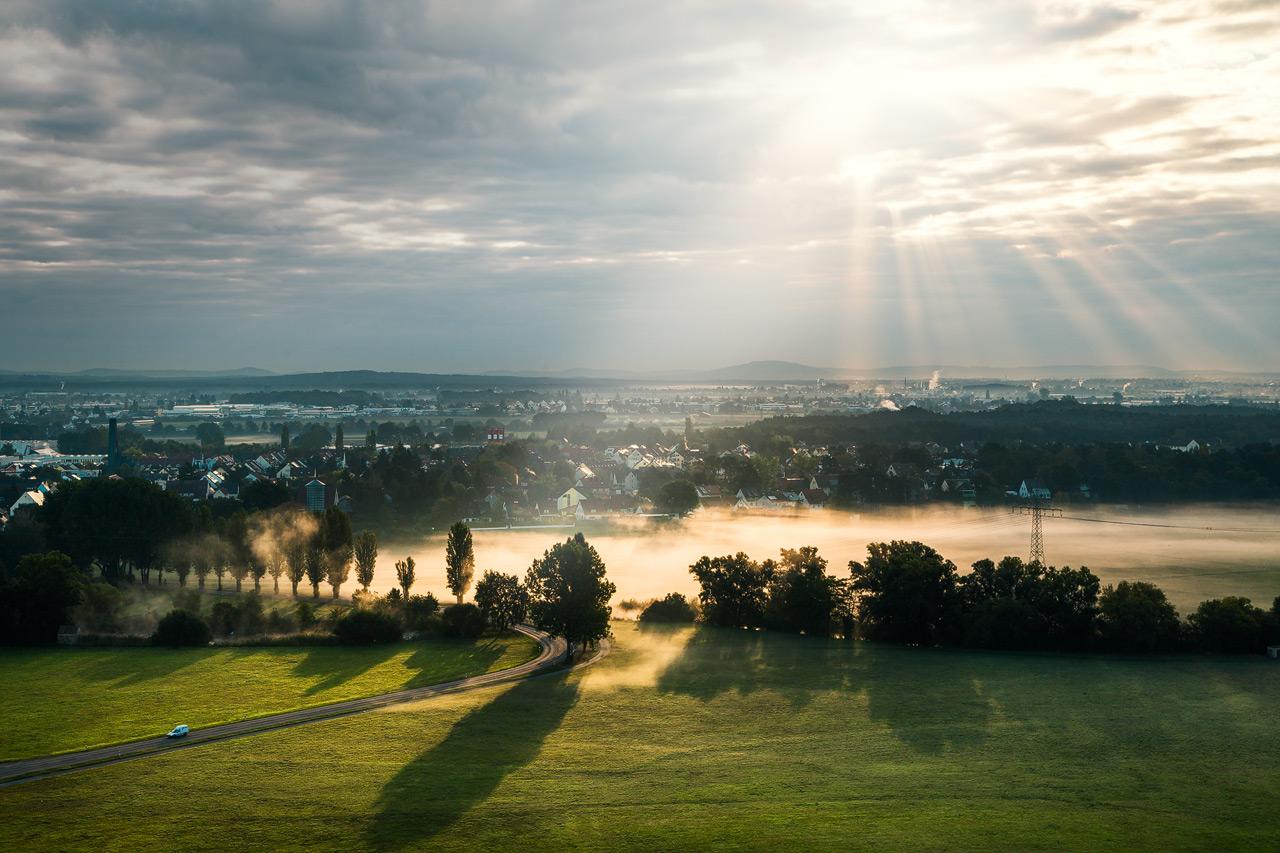 Morgennebel im Fürther Wiesengrund – Ausblick vom Müllberg