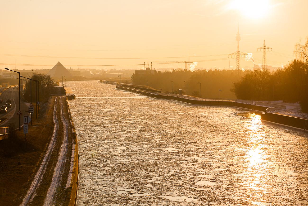Main-Donau-Kanal zugefroren